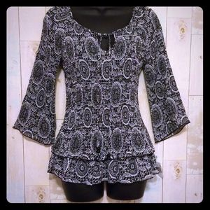 NWT Stylish Top from Signature Larry Levine